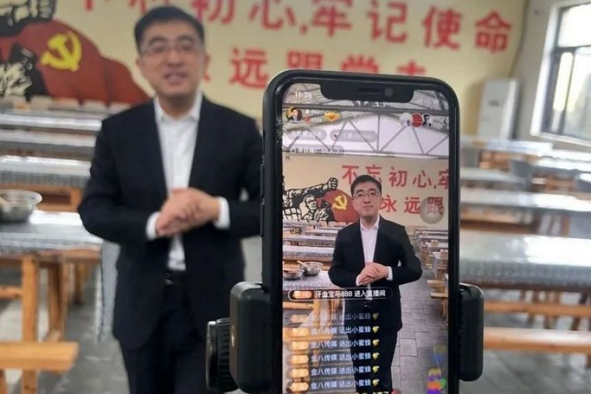 Entrepreneur Xu Zewei during his livestream broadcast earlier this month.