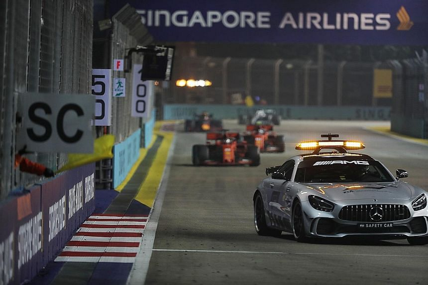 The Singapore Airlines Singapore Grand Prix last year. At least four tenders related to the set-up of viewing facilities and ancillary activities for this year's Sept 20 race have been put up by the Singapore Tourism Board. ST PHOTO: BENJAMIN SEETOR