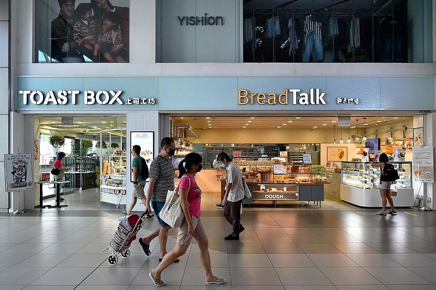 Toast Box and BreadTalk outlets at Bishan Junction 8 mall. BreadTalk's delisting is expected to give it greater flexibility as it tackles the coronavirus pandemic and the impact Covid-19 has had on its F&B operations, observers said.