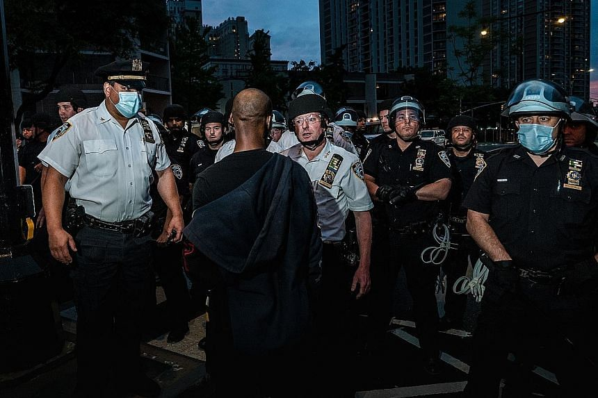Bill de Blasio vows to defund to New York Police