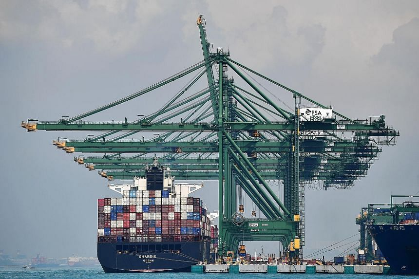 The number of cargo ships calling at Singapore's ports fell last month to 3,059, the lowest since at least 1993, while sales of marine fuels declined to a three-month low.
