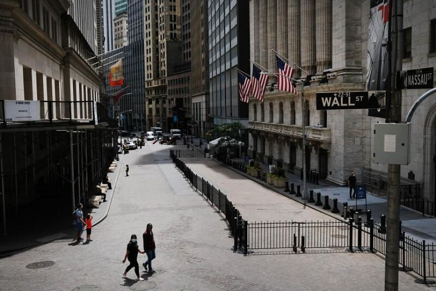 Stocks shake off early weakness to finish higher