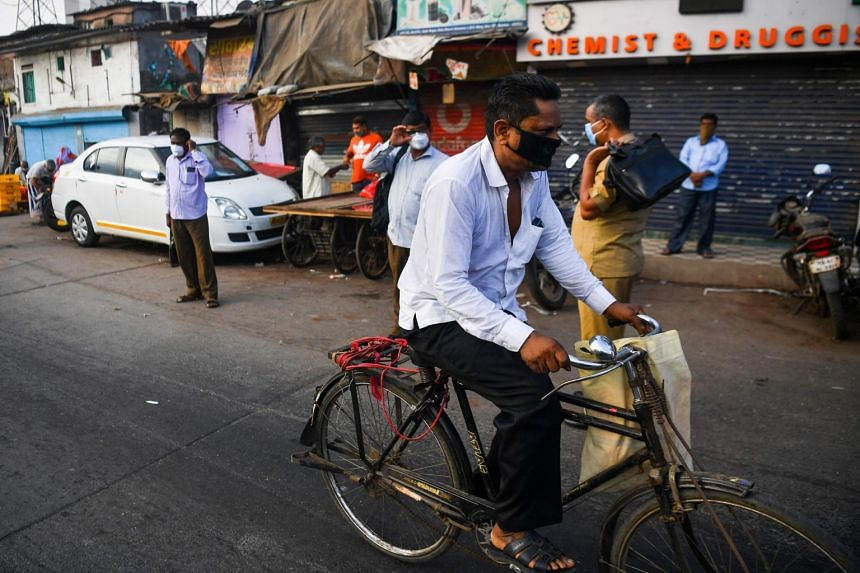 An advisory issued recommended the pedestrianisation of up to three markets in each city, and adding more bicycle lanes.
