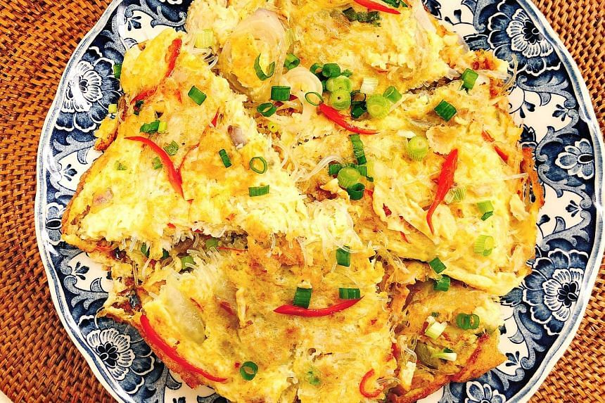 Elevate a plain omelette by adding crab meat and bean vermicelli to it.