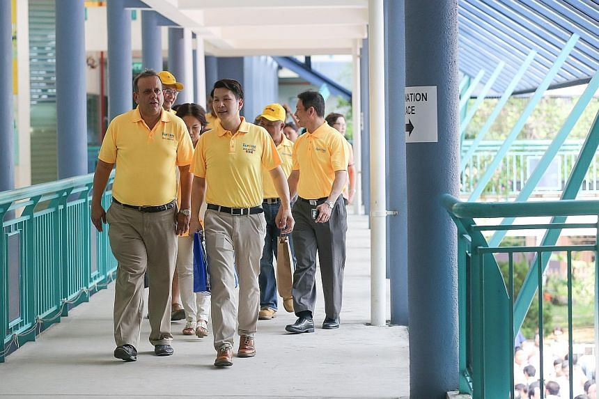 Mr Kenneth Jeyaretnam (left) with his Reform Party's team for West Coast GRC during the 2015 General Election.
