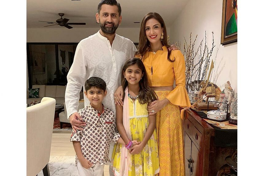 Life coach Shireena Shroff Manchharam (with her husband and kids) overcame her fear of doing Instagram live sessions and webinars.