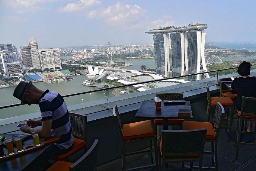 Western restaurant LeVeL33 at the Marina Bay Financial Centre. In our podcast, we discuss how the Covid-19 pandemic has transformed the food and beverage landscape in Singapore.