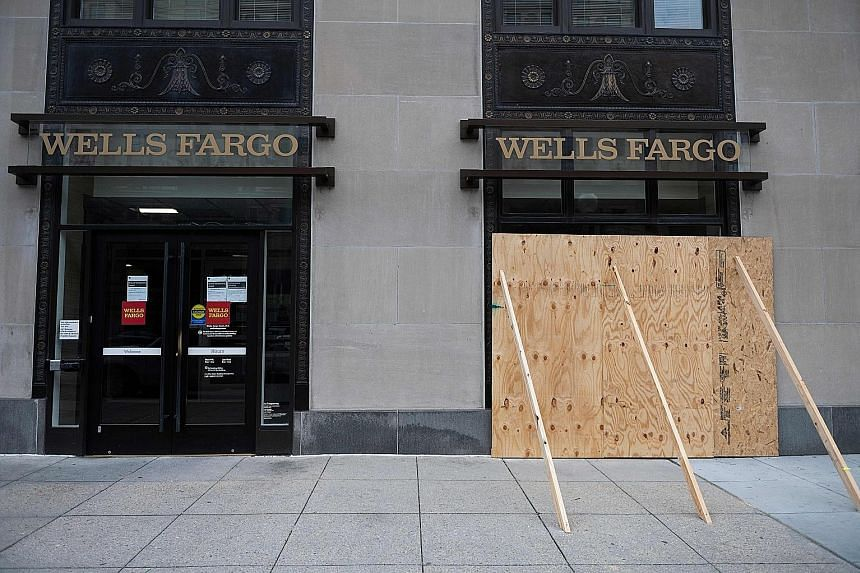 Wells Fargo loses US$2.4B in 2Q, first loss since 2008