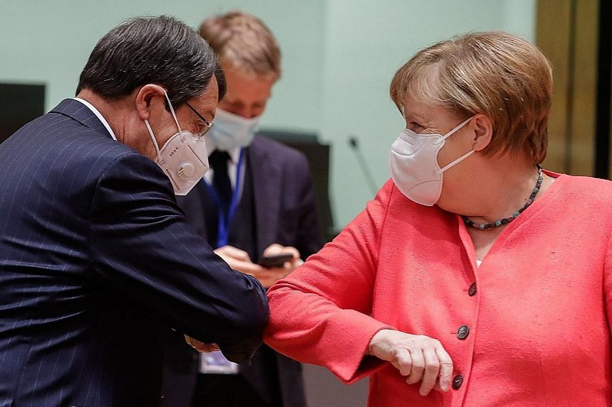 Newspaper: EU leaders undecided on rescue plan