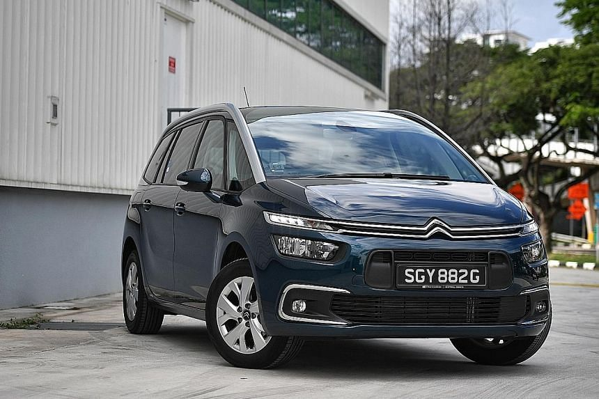The seven-seater Citroen Grand C4 SpaceTourer 1.2 is a spacious and well-equipped MPV.
