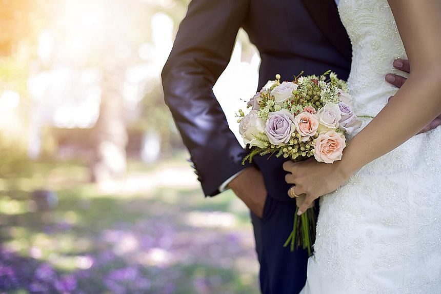 Sociologists and counsellors said that as Singaporeans spend more years in education and building their careers, more are also marrying at a later age. PHOTO: ISTOCKPHOTO