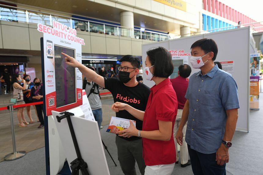 (From right) Bishan-Toa Payoh MP Chee Hong Tat and Marymount MP Gan Siow Huang at a job fair at Toa Payoh HDB Hub on Aug 1, 2020.