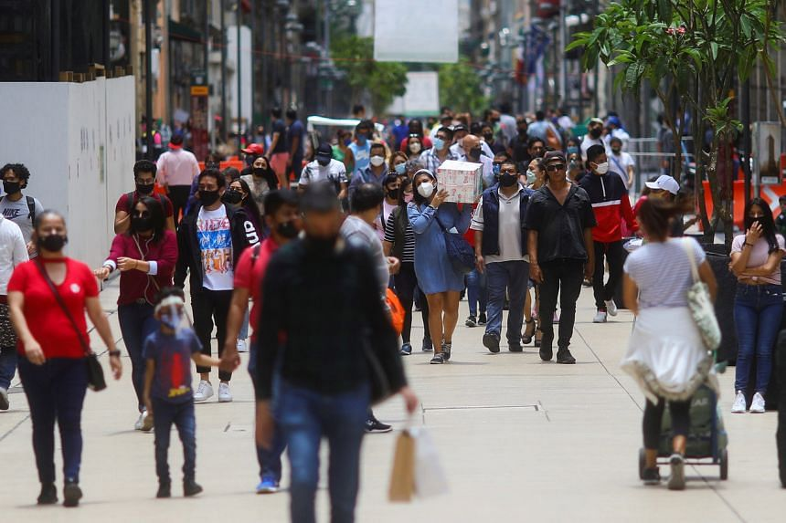 The number of cases in Mexico rose by a daily record of 8,458 to 424,637.