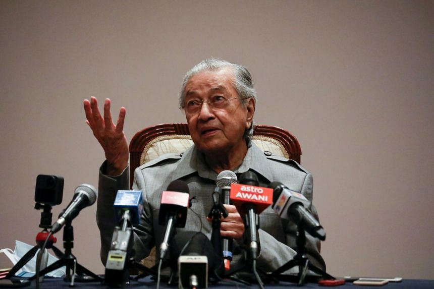 Dr Mahathir said the party, which is yet to be named, will be independent from the other political blocs.