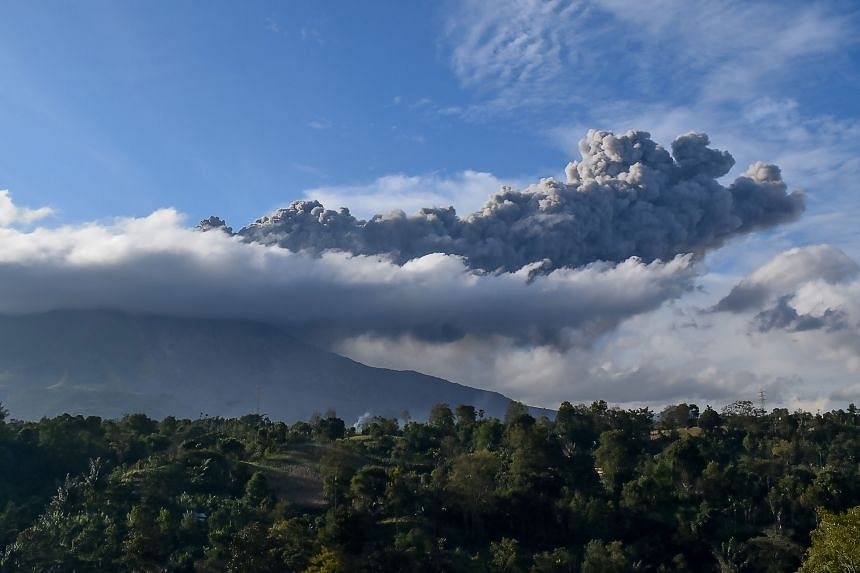 The volcano spewed a column of volcanic ash up to 2km high.