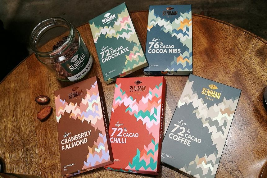 Seniman Kakao's single-origin chocolate bars are sourced from local cacao bean farms in Malaysia.
