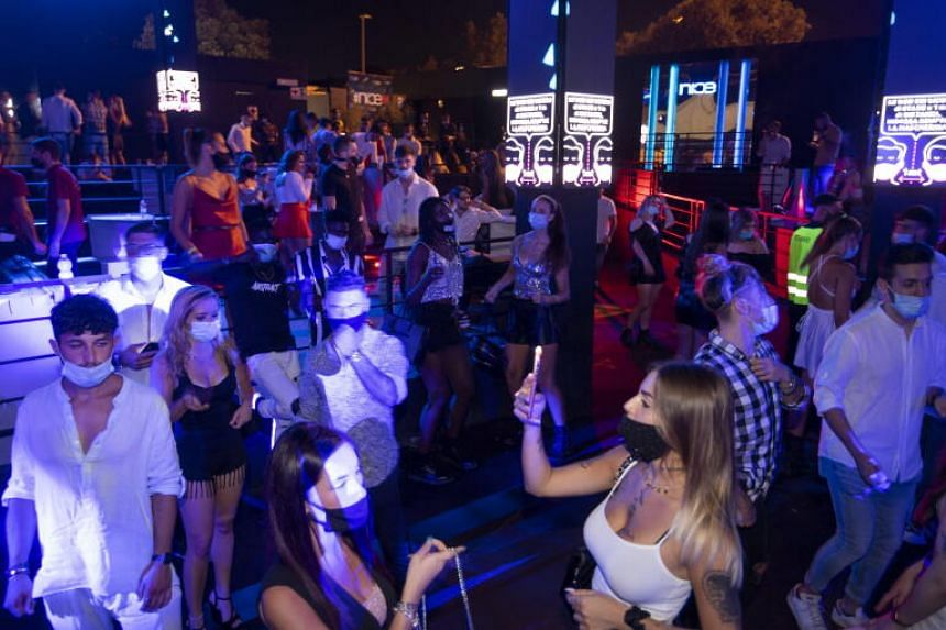 Italy Suspends Discos And Orders Mask Wearing At Night In Public