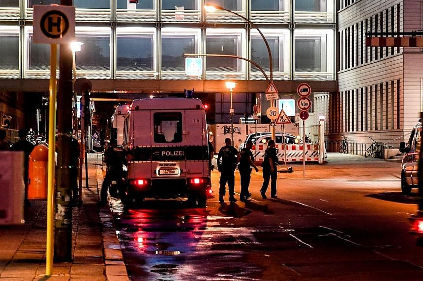 Police on Saturday guarding the front of Charite hospital in Berlin, Germany, where Russian opposition activist Alexei Navalny is being treated.