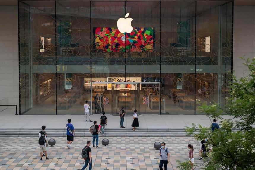Chinese consumers could boycott Apple if U.S. bans WeChat: ministry warns