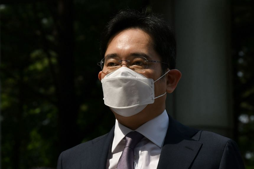 Lee Jae-yong: Samsung heir faces fresh charges over 2015 merger