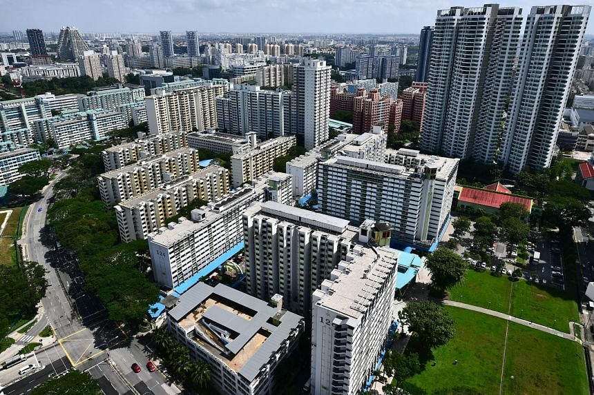An estimated 1,052 resale condos and apartments changed hands last month - up 7 per cent from July and 36.3 per cent from August last year, a sign the property market may be recovering from Covid-19's effects. ST PHOTO: LIM YAOHUI