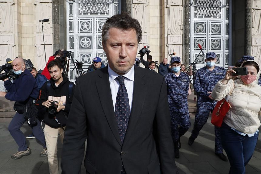 German Ambassador Geza Andreas von Geyr leaves the Russian Ministry of Foreign Affairs after being summoned over the Navalny case.