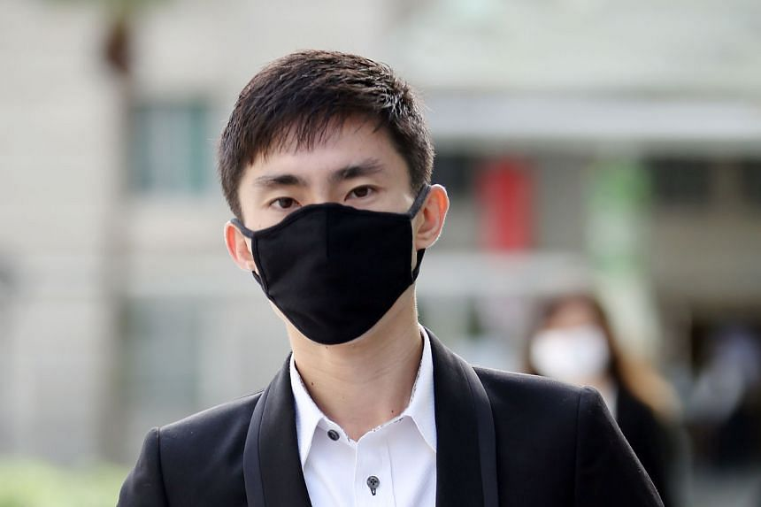 """Soh Rui Yong (left) told the court yesterday that he has """"achieved a certain recognition because of my results, not because of Ashley Liew"""". Fellow-marathoner Liew is suing Soh for defamation."""