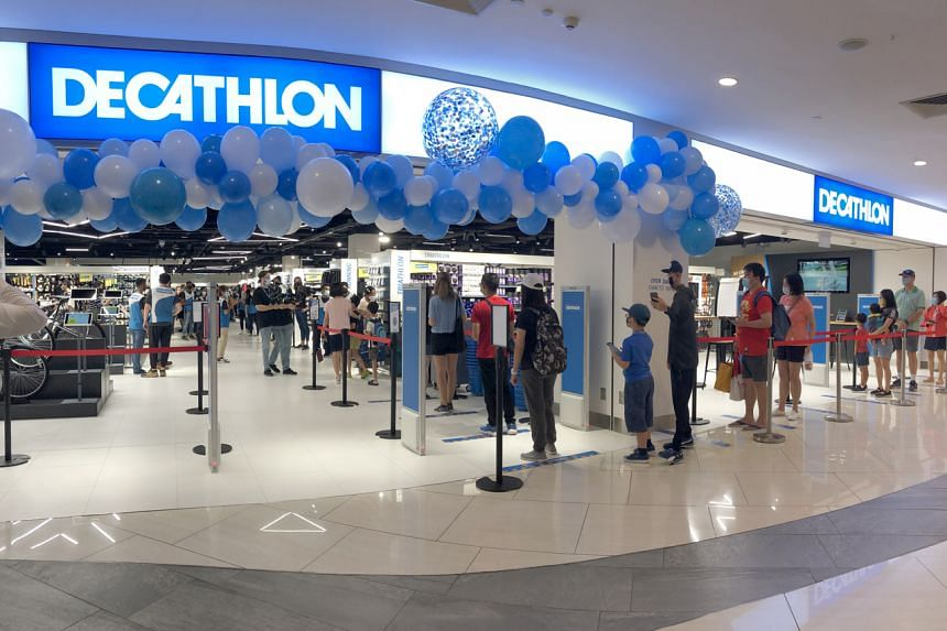 There was a queue of more than 50 people waiting to enter Decathlon Orchard on the morning of Sept 12.