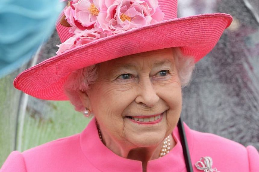 A 2016 photo shows Britain's Queen Elizabeth II at a Buckingham Palace garden party.