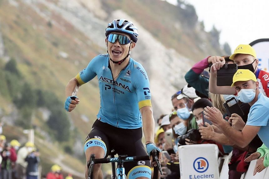 Lopez of Astana team wins the 17th stage.