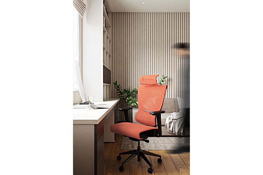 TRICKED-OUT CHAIR FOR THE HOME OFFICE