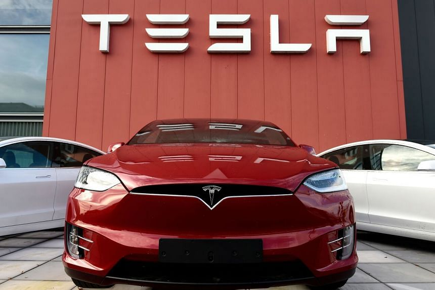 Tesla is looking for senior developers in Singapore.