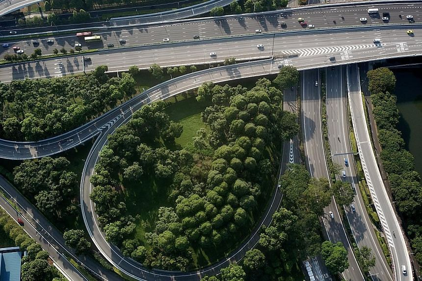 A section of the Pan-Island Expressway and Central Expressway in Toa Payoh on May 5 at 8.30am. With many working from home, the morning rush-hour jam has disappeared. ST FILE PHOTO
