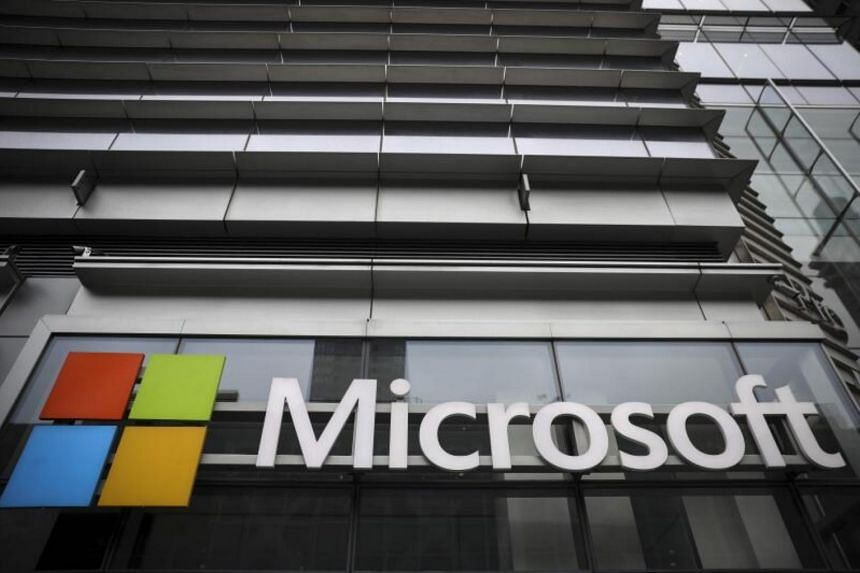 Microsoft cloud services suffer global outage