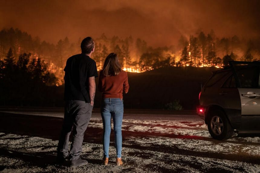 The Glass Fire has spread across 14,568 hectares in Napa and Sonoma counties.