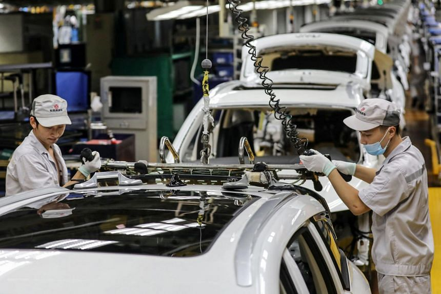 The official manufacturing Purchasing Manager's Index rose to 51.5 in September from 51.0 in August.