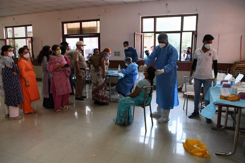 Deaths from coronavirus infections in India rose by 1,095 in the last 24 hours to 99,773.