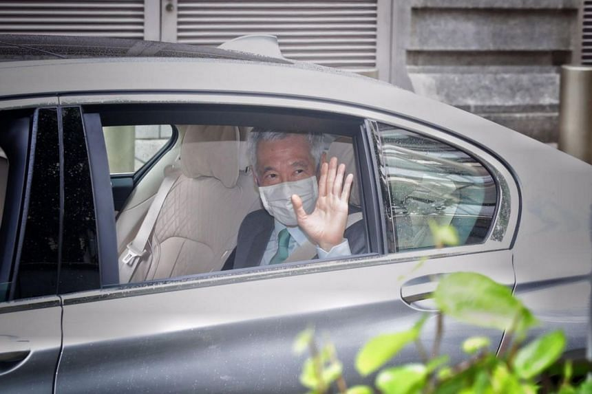 Prime Minister Lee Hsien Loong arrives at the Supreme Court on Oct 6, 2020.