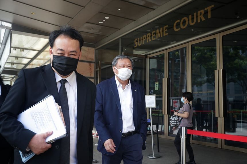 Lawyer Lim Tean (left) and blogger Leong Sze Hian leaving the supreme court on Oct 6, 2020.
