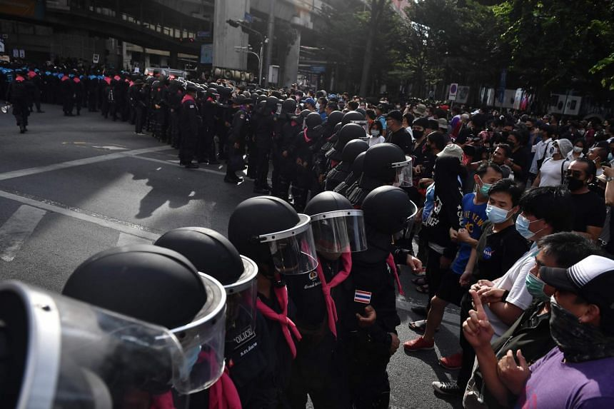 The large crowd indicate the protests are unlikely to abate despite the arrest of key leaders.