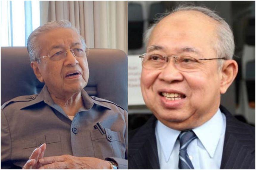 Former Malaysian prime minister Mahathir Mohamad (left) and Umno veteran Tengku Razaleigh Hamzah.
