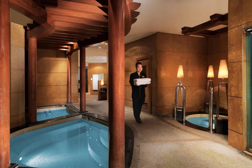 Upon checking in, guests can book a 90-minute Aromatherapy Relaxation Massage at Willow Stream Spa and enjoy its other spa facilities.