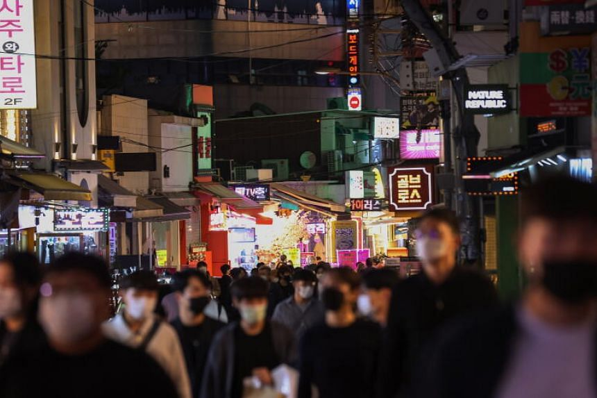 Authorities in South Korea had reduced the spread by detecting cases, isolating them and quarantining contacts.