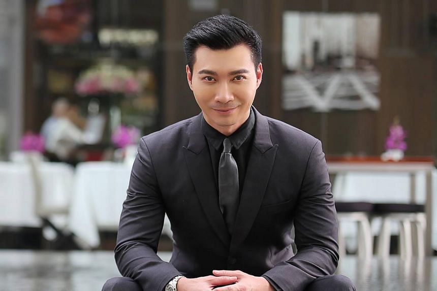 ONE FM 91.3 DJ Simon Lim was alerted about the conman by a fan.