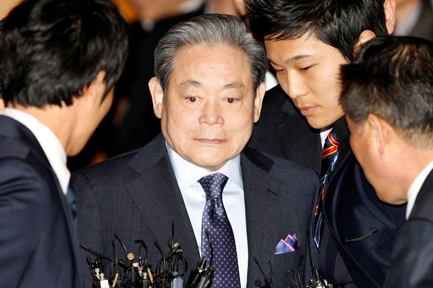 In a photo taken on March 10, 2011, Samsung Chairman Lee Kun-hee arrives at an executive board meeting of the Federation of Korean Industries in Seoul.
