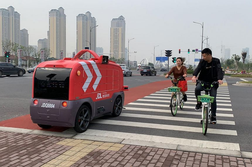 JD Logistics plans to roll out 100 of these autonomous delivery vehicles in Changshu, Jiangsu province before the end of 2020.