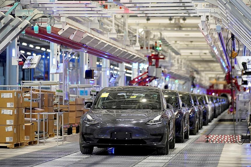 Tesla cars at a Shanghai manufacturing plant. The China Association of Automotive Manufacturers has urged the government to boost support for exports of China-made cars.