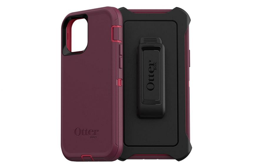 Otterbox Defender Series for Apple iPhone 12/12 Pro.