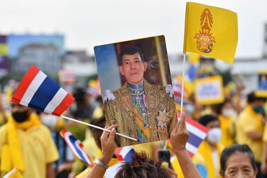 Thailand's political crisis has made the king's presence a challenge for Germany.
