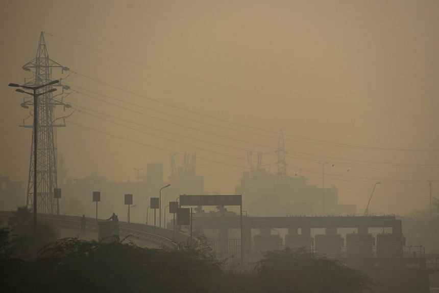 Thick smog is seen over New Delhi on Nov 7, 2020.
